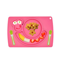 Wholesale High quality antiskid one piece silicone placemat cartoon children eat mat plate in one lunch box PM002