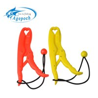 Wholesale Agepoch ABS United Plastics Fish Grip Team Catfish Controller Lip Grip Floating Gripper Big Size Tackles For Fishing