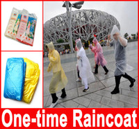 Wholesale One time Raincoat Fashion Hot Disposable PE Raincoats Poncho Rainwear Travel Rain Coat Rain Wear Travel Rain Coat Hot Selling