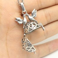 Wholesale Antique Silver Aromatherapy Jewelry Peace Dove Hollow Locket Essential Oil Diffuser Openable Pendant quot Chain Necklace