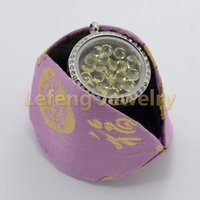 Wholesale Fashion Origami Owl Silk Fabric Cookie Jewelry Holder Display Case For Glass Floating Charms Lockets