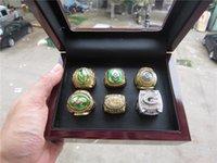 achat en gros de emballeurs anneau-6pcs / set Haute qualité 1961 1965 1966 1967 1996 2010 Ensemble Ring Ring Green Bay Packer avec boîte en bois Bague cadeau Noël