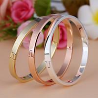 Wholesale Lovers Classic Romantic Smooth Buckle Titanium Steel Bangle Brand New Trendy Fashion Jewelry Men Women Bracelets