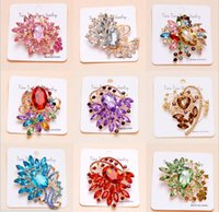 Wholesale Top brooches for wedding rhinestone colorful crystal opal electaplating feather flower leaf animal brooches for women styles Korean