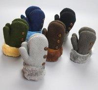 5pairs / lot 2016 Noël Mitaines d'hiver d'enfants de bébé Bébé qui tricote des gants mous chauds BoysGirls Enfants solides gants pleins de doigt avec la corde