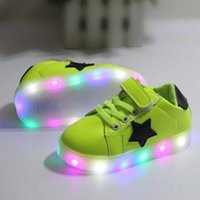 Wholesale Kids Shoes with LED Light Children Boys Girls Luminous Athletic Shoes Fashion Toddler Casual Sneaker Sport Running Shoes White Black Pink