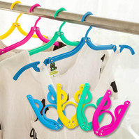 Wholesale Creative Travel Portable Plastic Hangers Travelling Easy Folding Hanger Multifunctional Racks T Shape Scalable