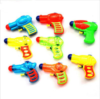 Wholesale Lovely Classic Interesting Small Plastic Pressure Water Gun Pistol Children Kids Beach Sand baby Toy Funny for boys and girls