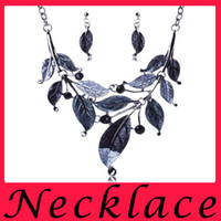 Wholesale Hot Sell Leaf Shape Colorful Drops Of Oil Fashion Set Diamante Earrings Necklace Suit For Women s