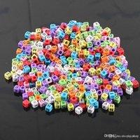 100 pièces / Lot famille profilent Bands Bracelet caoutchouc bricolage métier silicone Recharges Perles Lettre Cube Pendentifs Accessoires