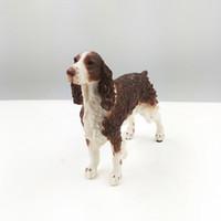 Cocker Spaniel Simulación Perro Estatuilla Artesanía Moderna Artes Brillantes Decoración Figurilla Artesanía con Resina para Auto Ornamento