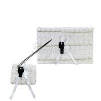 2Pcs / set Blanc Lace Bride Groom Design Satin Ruban Bow Guest Book Pen Stand Set pour décoration signature de mariage