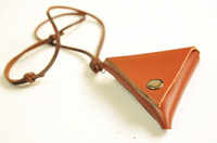 artistic box - Hot Sale New Special Vintage retro design Handmade genuine cowhide leather Triangle box necklace pendant Creative artistic accessory Gifts