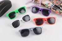 Wholesale More than colors hot sale classic style sunglasses women and men beach sunglasses grey lens sun glasses UV400 A27