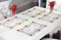 Wholesale Hot Sale Elegant Polyester Satin Jacquard Embroidery Floral Tablecloths Table Napkin Cutwork Handmade Embroidered Table Cloth