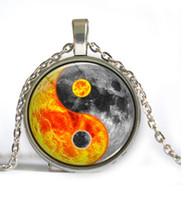 al por mayor precios foto-Collar de cristal pendiente del Cabochon de la foto del fuego y del agua de Yin Yang del caballo del precio de fábrica de Yin Yang
