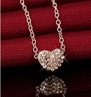 Wholesale Hot hot style heart shaped necklace Small heart shaped diamond pendant Collarbone chain Deserve to act the role of han edition act the role