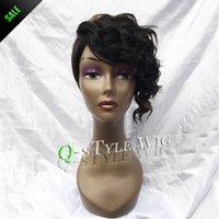 Al por mayor-Queen Style peluca de la manera de la mezcla de color negro de color marrón oscuro y rizado marginales Rihanna pelucas corte de pelo corto para las mujeres negras