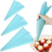 Wholesale Portable quot Reusable Silicone Icing Piping Cream Pastry Bag Cake DIY Decorating Tool hot search
