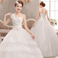 bandages types - 2016 New Type Bandage And Fluffy Skirt Bra Shoulder Sleeve Stereo Applique Lace Interior Self cultivation Temperament Wedding Dress a1216