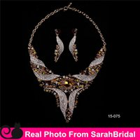 arabic gold jewelry - 2016 Gold Statement Necklaces and Chandelier Earrings Sets for Bridesmaids Jewelry Arabic Lady Women s Prom Party Wedding Evening D