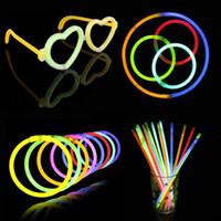 al por mayor pulseras de neón al por mayor-Venta al por mayor Color Glow Stick Colgante Collares Neon Party LED Flashing Light Sticks Varita Novedad Toy LED Vocal Concierto LED Flash Sticks