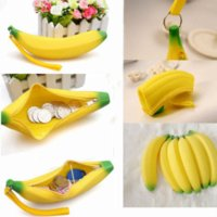 Cheap 1PC NEW Portable Silicone 3D Banana Coin Pencil Case Wallet Bag Purse Keychain Cosmetic Jewelry Gift Purse Wallets Clutch DB5688