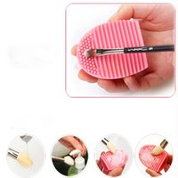 Wholesale 20pc Six colors Fashion Silicone Makeup Brush Cleaner with handhold design and Washing Scrubber Board Cosmetic Cleaning Mat Clean Tools