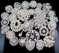 Wholesale 30 Mix Style Diamante Wedding Party Brooches Silver Pearl Crystal Rhinestone bridal decor Flower Bouquet Brooch Pins Best Gift