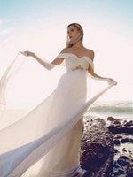 Robes de mariée blanche fluide avec des drapeaux drapés Sweetheart Sash Long Boho robes de mariée une ligne Vintage robe de mariage de style grec 2017
