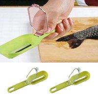 Wholesale Essential random color Scale shaver Kitchen tools Super fish scale plane fish scale Scales Remover