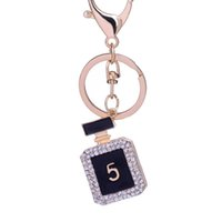 Wholesale 10pcs Creative Rhinestone perfume bottle Keychain Novelty Fashion gold plated alloy Key Chain Ring Bag Charm gift