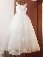 Wholesale Beautiful Sweet Luxcy Modern Simple Lace Bateau Sequins Floor length Ball Gow Lace up wedding dress Events dresses
