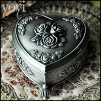 Wholesale Love shape Rose relief high grade Metal Small jewelry storage box European Retro Jewelry box Gift box