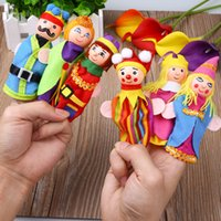 Wholesale New Kids Wood Wooden Cloth King Queen Finger Puppet Dolls Story Educational Toy