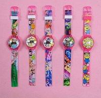 achat en gros de tsum minion-2016 Hot cartoon montres tsum poney congelés Minion à l'intérieur de la mode pour enfants enfants montre LED clignotant