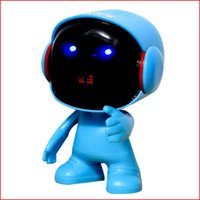 astronaut robot - NEW Astronauts bluetooth speaker with LED Flash light robot figure Robot portable Mini wireless subwoofers bluetooth support TF FM USB