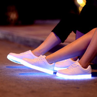 animal clay - Led Shoes Women Solid New Fashion Schoenen Casual Chaussures Lumineuse Light Up Shoes Female Luminous Black white flats