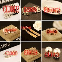 Wholesale Nice shopping Fashion Gold Crystal Stud Earrings Brincos Perle Pendientes Bou Pearl Earrings For Woman E130