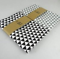 Wholesale New classic design of triangular geometric pattern printing of cotton napkin mat Home Furnishing baking background essential plain small fre