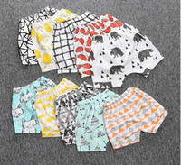 Wholesale 19 Design Kids INS Pants Summer Geometric Animal Print Baby Shorts Pants Brand Kids Baby Clothing Cotton Baby PP Pants Short Wear B4198