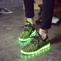 b d led - 3 D Fly Fabric Trend Leisure Time Sneakers LED Bring Lamp Luminescence Man Coconut Single Shoe Women s Factory Direct