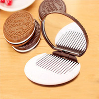 Wholesale Chocolate Cookie Makeup Mirror Brown Cute Design Mini Portable Cosmetic Mirror Comb Hot Small Pocket Makeup Mirrors For Women