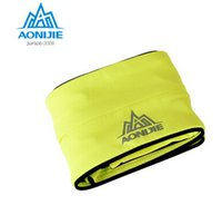 Wholesale AONIJIE Jogging Package Outdoor Sports Equipment Pockets Multifunction Handset Marathon Men And Women Sport Bag