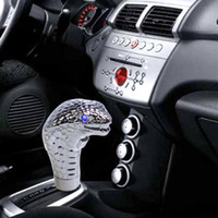 Wholesale New Universal Car Gear Knob Shifter Cobra Head Shift Knob Gear Shift Knob LED Eye Personalized pommeaux de levier de vitesse