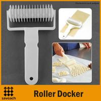 Wholesale 2015 New Kitchen Pineapple Apple Pie Strudel Pastry Lattice Roller Cutter Tool Dough Roller Docker Layering Baking Tools