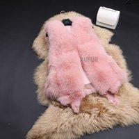 Wholesale Lady Real Fox Fur Vest Winter Fur Waistcoat Classical Design Women Gilets Slim V Neck Sleeveless Fluffy and Warm AU00717