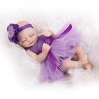 achat en gros de pleine grandeur filles des poupées-Mini taille Reborn Fille Doll Lifelike Sleeping Baby with Dress Full Body silicone de 10 pouces