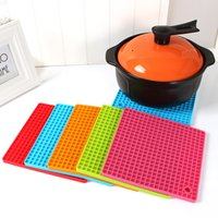 Wholesale 17 cm Durable Honeycomb Grid Silicone Non Slip Heat Resistant Mat Hang Tableware Coaster Cushion Silicone Placemat DHL