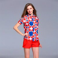 Wholesale Crew Neck Women Tops Print Floral Geometric with Red Cargo Shorts for Women Summer Clothing High Quality
